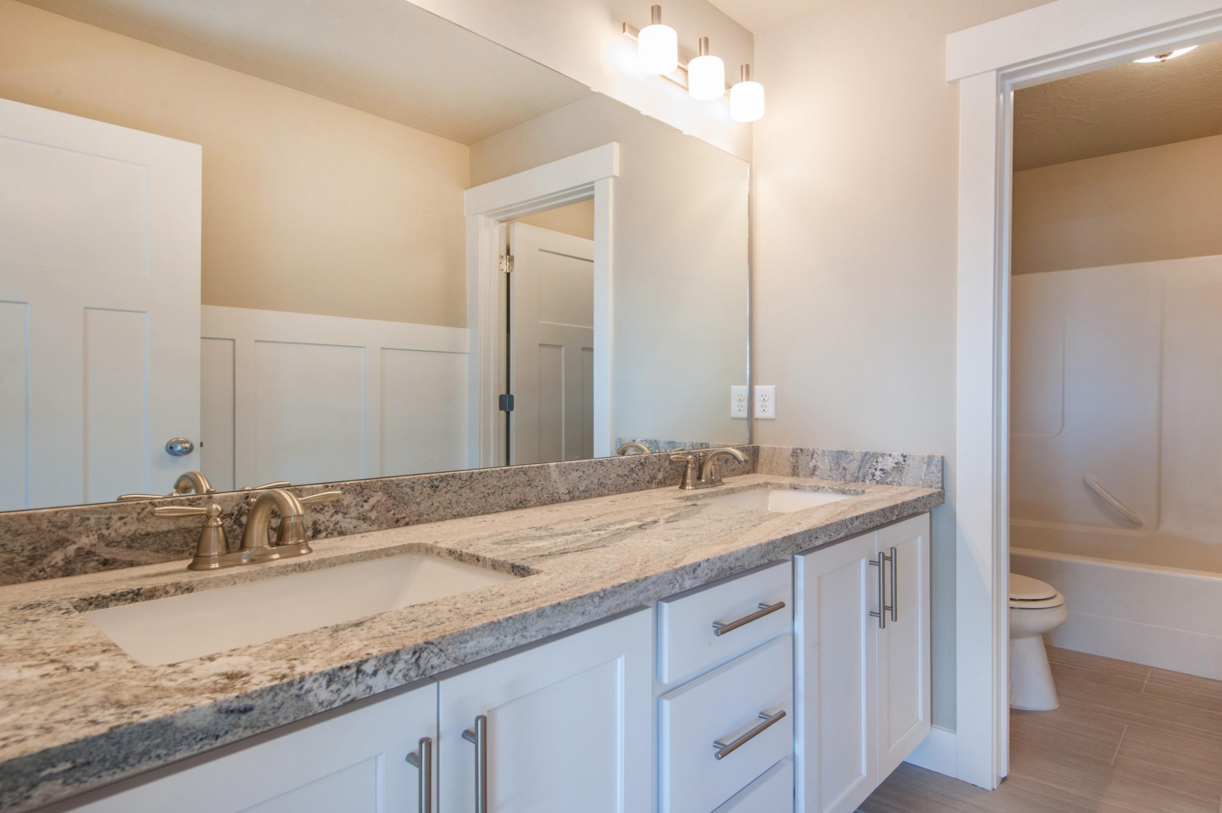 Backsplash for off white cabinets