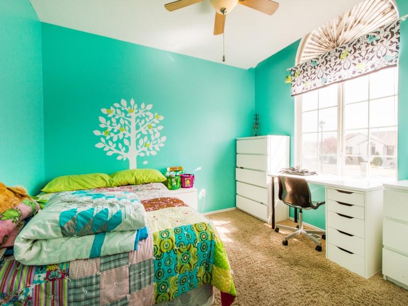 1603074_Bedroom-One_800x600