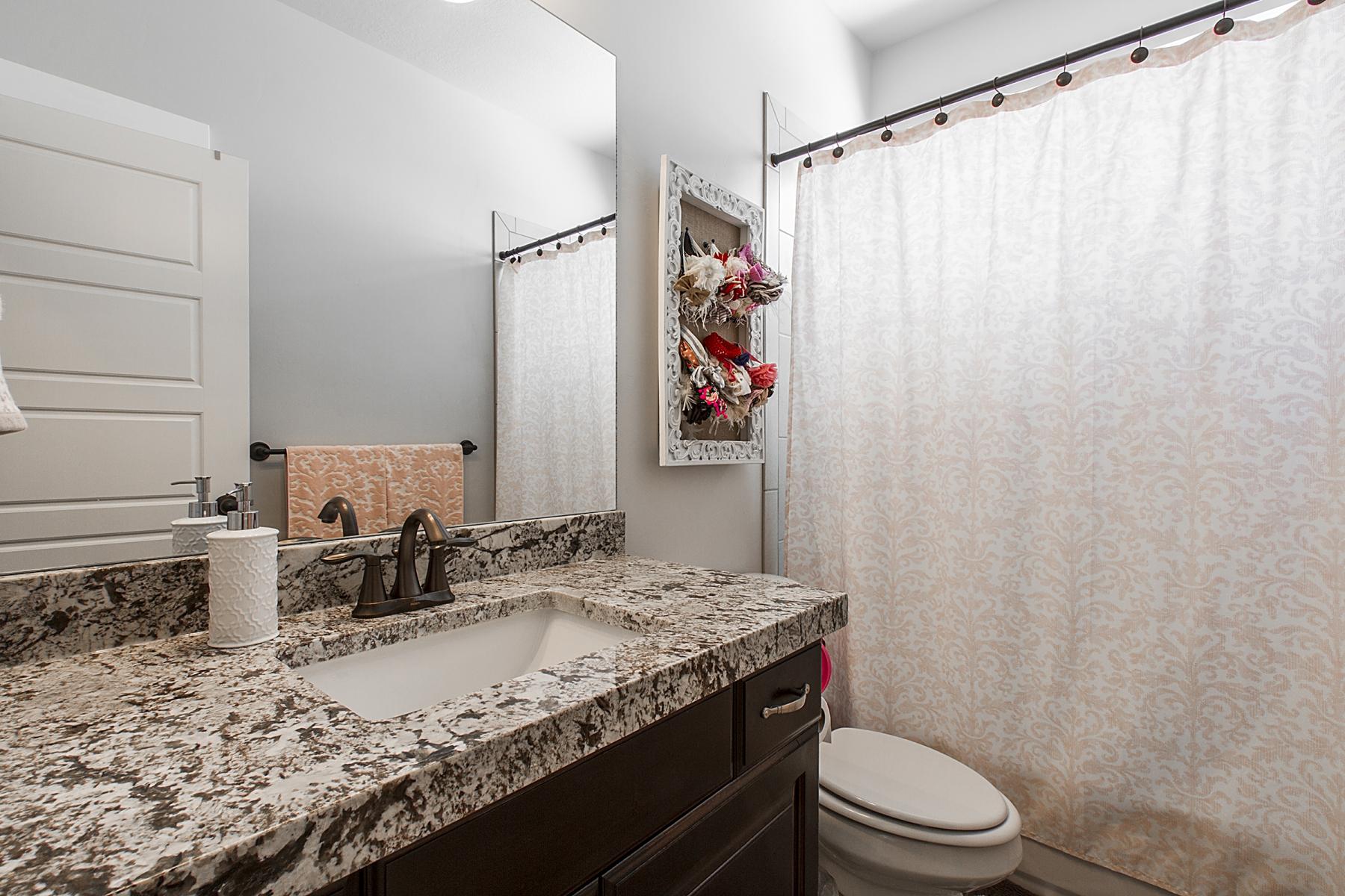 Bathroom-2_1800x1200_2388098