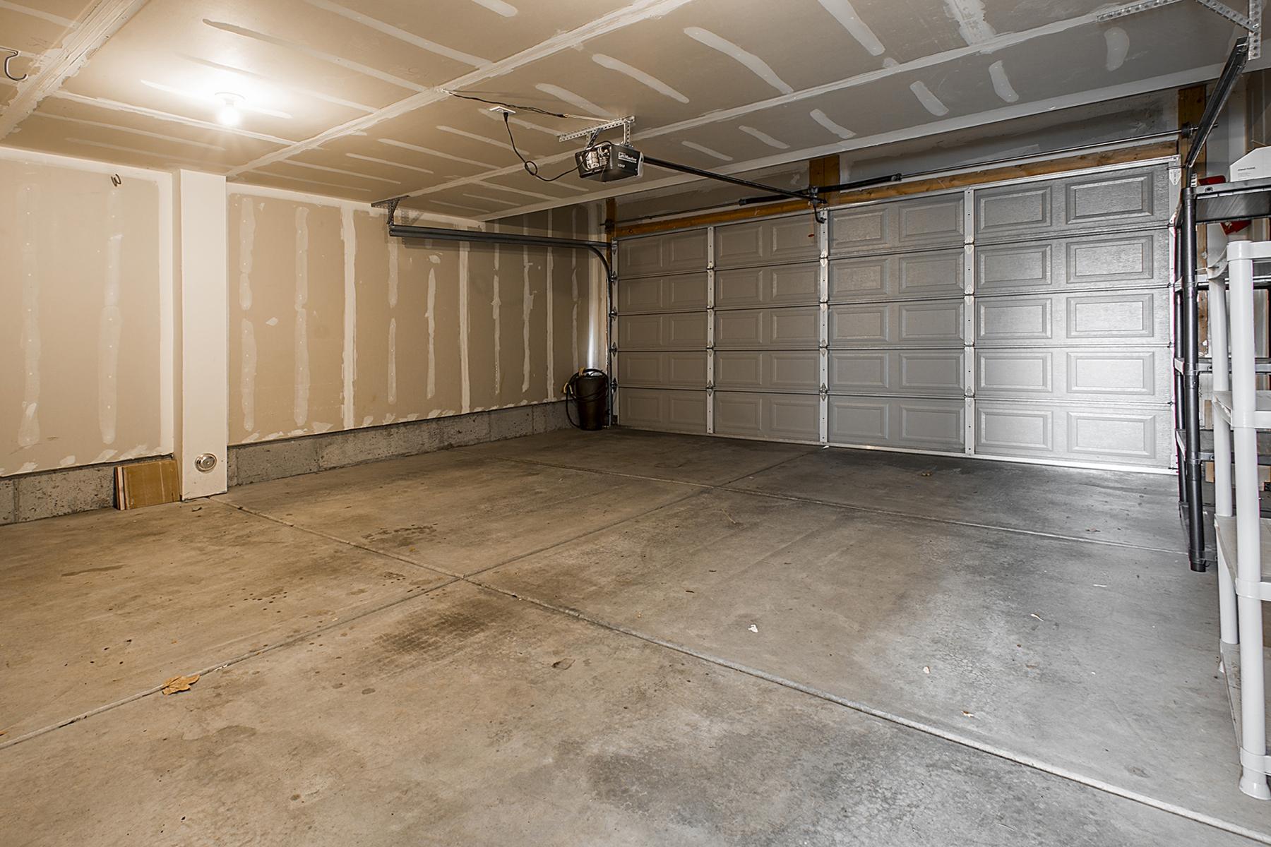 Garage_1800x1200_2515468